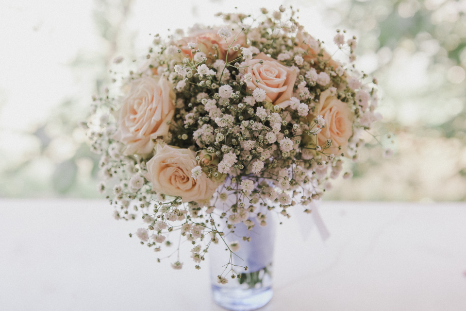 Rose and baby's breath bouquet